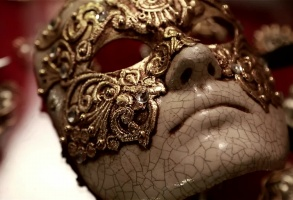 EYES WIDE SHUT MASKS