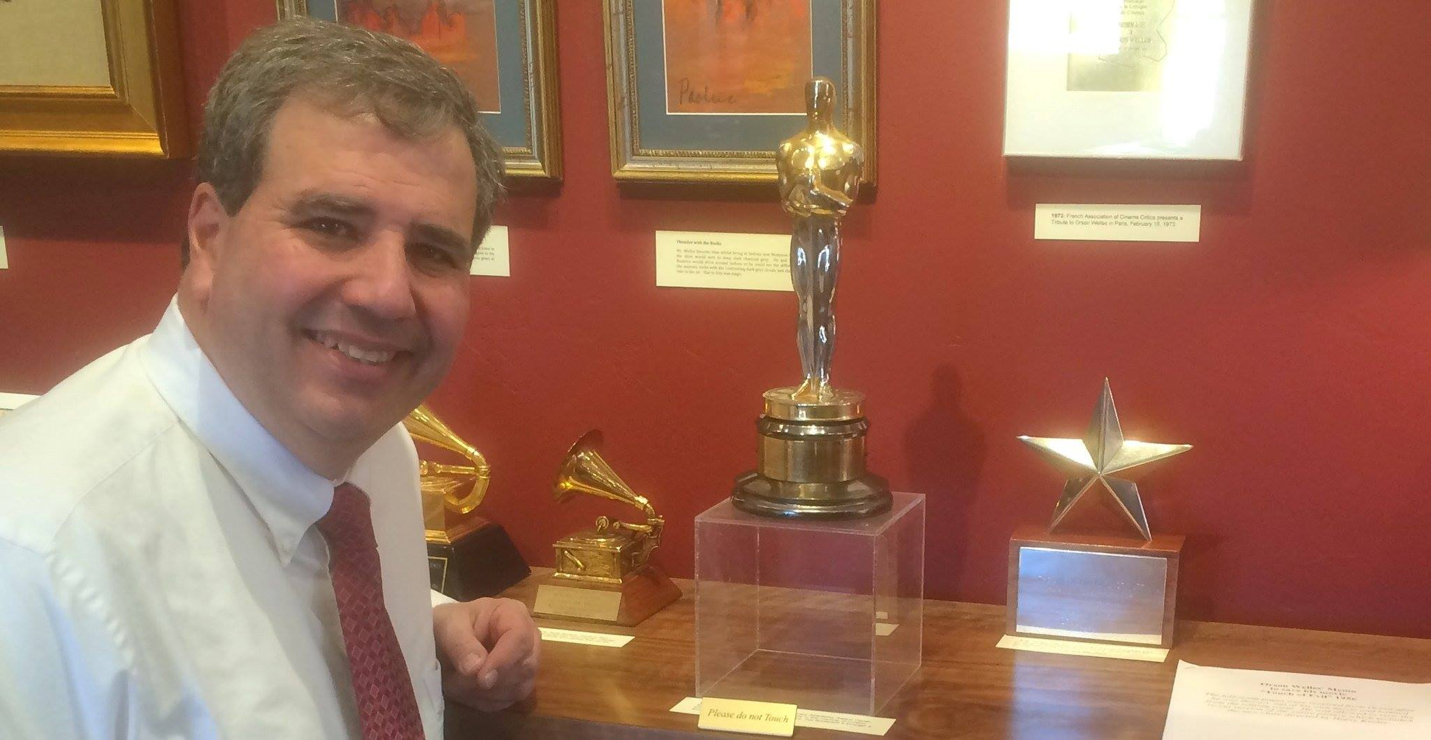 Ray Kelly with Orsons awards in Sedona